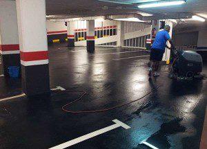 Limpiando un garaje en Madrid