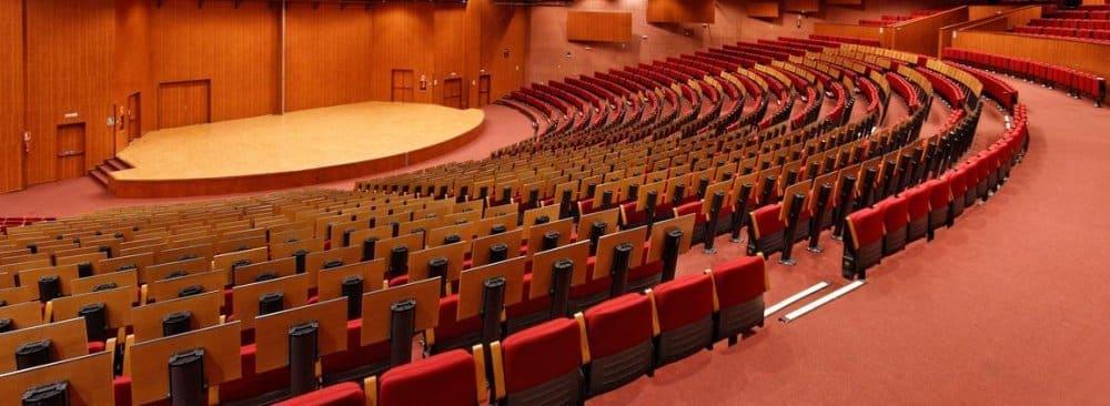 limpieza moquetas hotel auditorium