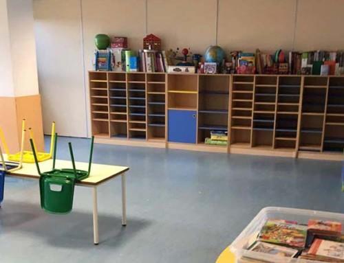 Limpieza y abrillantado de suelo de linóleo en colegio de Las Rozas